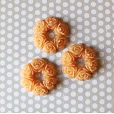 Кабошон Венок из розочек оранжевый, размер 30 мм, 1 шт