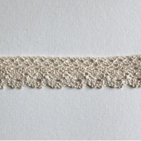 Хлопковое кружево бежевого цвета, ширина 25 мм, длина 90 см