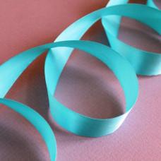 Атласная лента голубого цвета, длина 90 см, ширина 20 мм