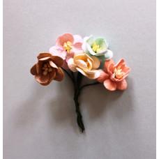 Набор  декоративных цветков вишни в нежных пастельных тонах 5 шт.