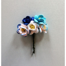 Набор  декоративных цветков вишни в разных тонах голубого цвета 5 шт.