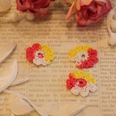 Вязаные цветы 3 шт, в красно-желтых тонах, 2-3 см