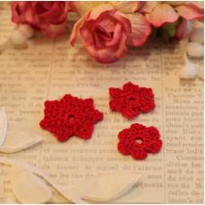 Вязаные цветы 3 шт, красный, 2-3 см
