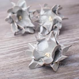 Декоративные бумажные цветы Гардения бутон 35мм 1шт цвет серебро 2905 Valeo