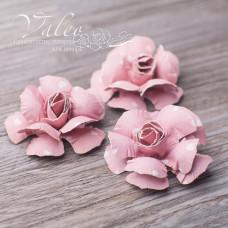Декоративные бумажные Розы 40*40мм 3шт цвет розовый с сердечком 2954 Valeo