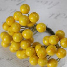 Глянцевые ягоды желтого цвета (калина), 1 веточка, 2 ягодки, крупные 1 см