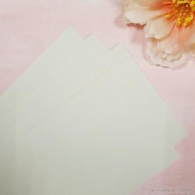 Заготовка для открытки, вертикальная, кремовый, 300 г/м2, 10.8х15 см