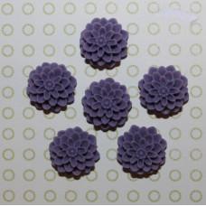 Кабошон Хризантема фиолетового цвета, диаметр 15 мм, высота 8 мм, 1 шт