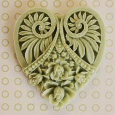 Кабошон Сердце светло-зеленого цвета, 5,0х4,5 см, высота 4 мм, 1 шт