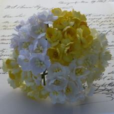 Набор 5 декоративных цветков вишни в желтых тонах