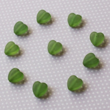 Акриловые сердечки матового темно-зеленого цвета, 9х8х3 мм, 10 шт