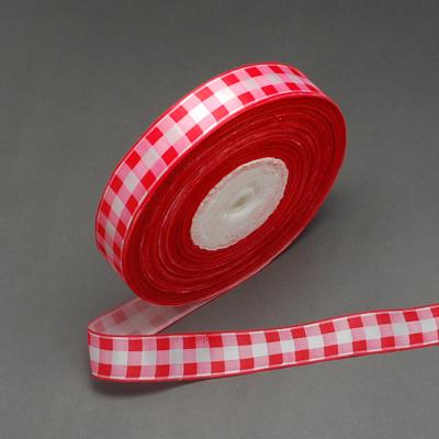 Атласная лента с принтом в красную клетку, ширина 25 мм, длина 90 см.
