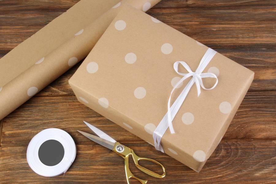 Бумага упаковочная рулонная, крафт, Горох белый, 8 м х 70см, 80 г/м²