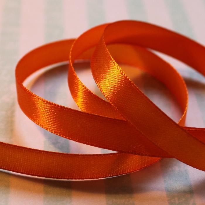 Атласная лента оранжевого цвета, длина 90 см, ширина 10 мм