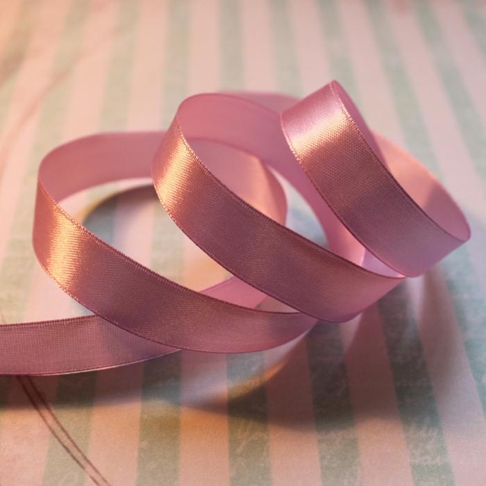 Атласная лента розового цвета, длина 90 см, ширина 16 мм