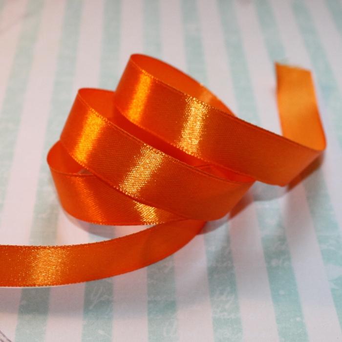 Атласная лента оранжевого цвета, длина 90 см, ширина 16 мм