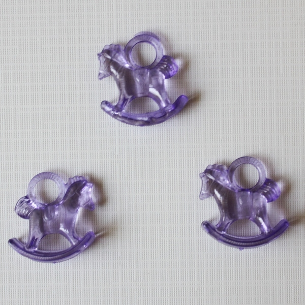 """Акриловая подвеска """"Лошадка"""" фиолетового цвета, 29х27х10 см"""