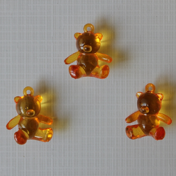 """Акриловая подвеска """"Медвежонок"""" оранжевого цвета, 25х21х10 мм"""