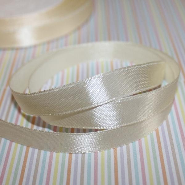 Атласная лента кремового цвета, длина 90 см, ширина 10 мм