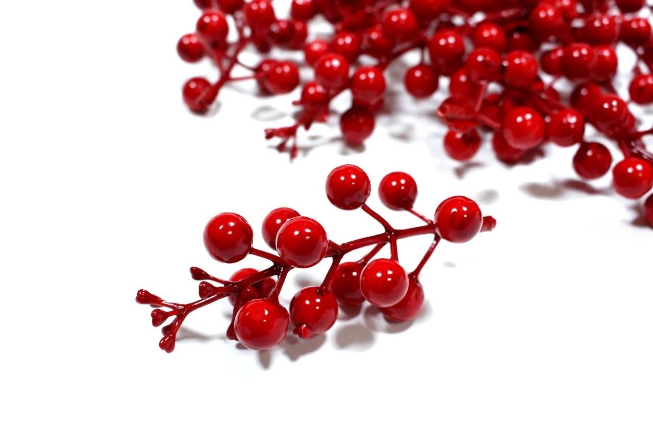 Букет ягодок, красный, 12 шт, 10 см, размер ягодки 1.5 см